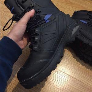 Salomon Shoes - Salomon TOUNDRA PRO CSWP boots, barely used!